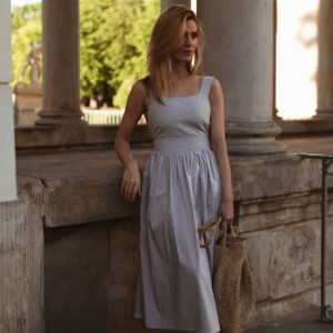 LOOK OF THE DAY – WARM EVENING AND SUMMER DRESS