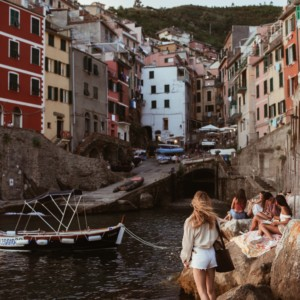 LOOK OF THE DAY – SUNSET IN RIOMAGGIORE