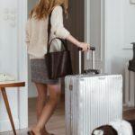 Pięć rzeczy, które zawsze zabieram ze sobą w podróż + schemat pakowania walizki